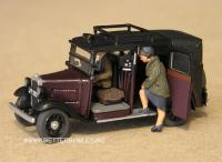 Image - Model vintage taxi with passengers
